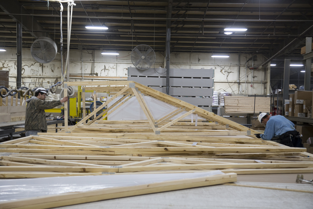 How are manufactured homes built clayton blog for Manufactured roof trusses